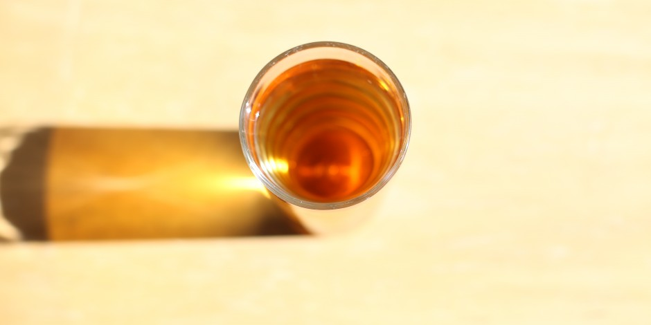 Glass of apple juice from concentrate (200ml)